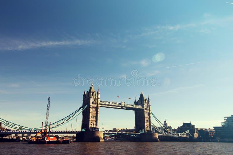 Ciudad Scape del puente de la torre de Londres fotos de archivo