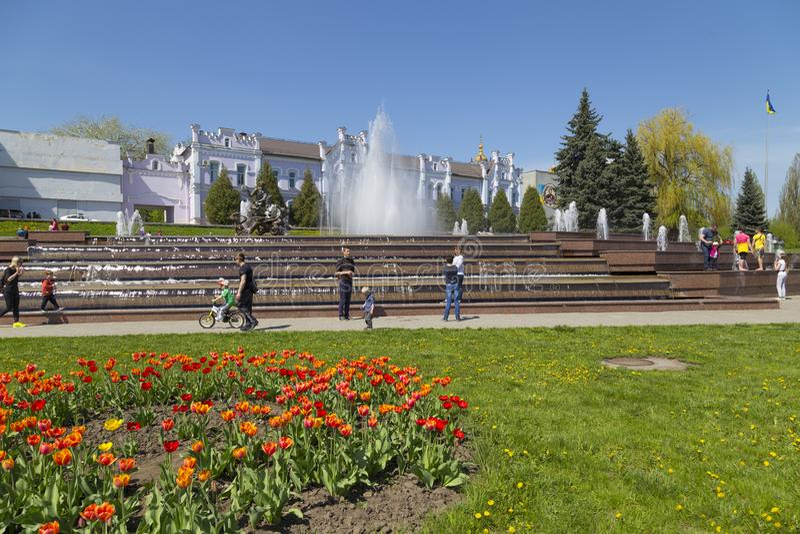 Ciudad Sumy, Ucrania Calle de la ciudad fotografía de archivo libre de regalías