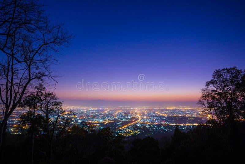 Ciudad Tailandia de Chiang Mai, opinión del paisaje y escena del crepúsculo fotografía de archivo libre de regalías
