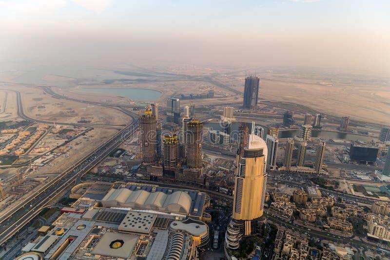 Ciudad United Arab Emirates panorámicos de Dubai de la visión aérea foto de archivo