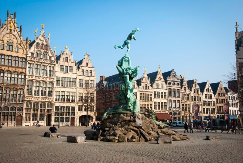 Ciudad vieja de Amberes, Bélgica fotos de archivo