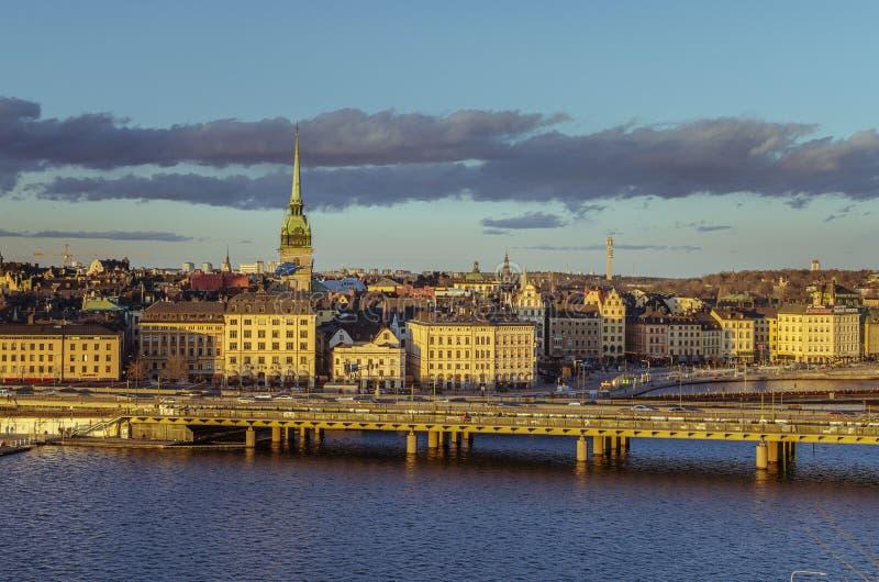 Ciudad vieja de Estocolmo en la puesta del sol fotos de archivo