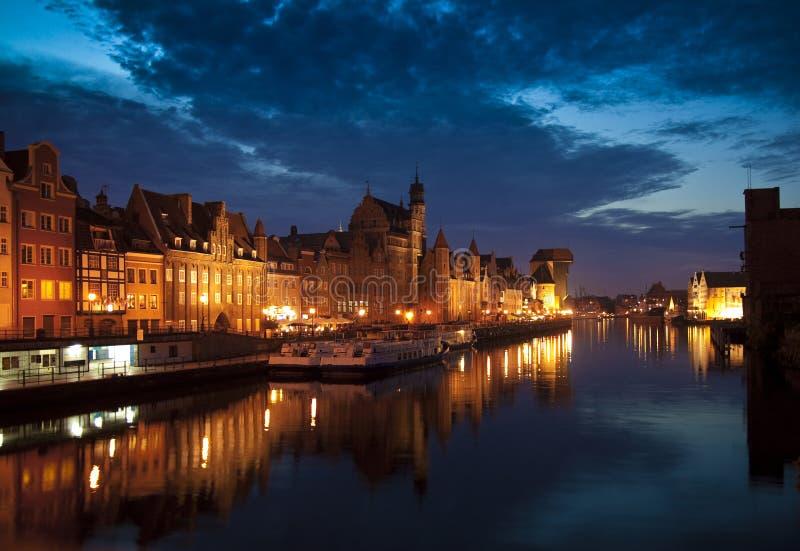 Ciudad vieja de GdaÅsk, nightshot fotografía de archivo