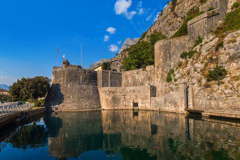 Ciudad vieja de Kotor - Montenegro fotografía de archivo