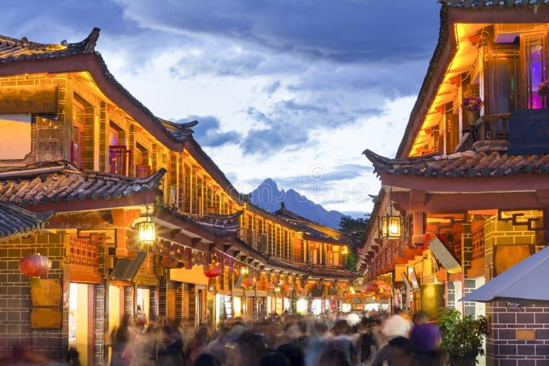 Ciudad vieja de Lijiang por la tarde foto de archivo