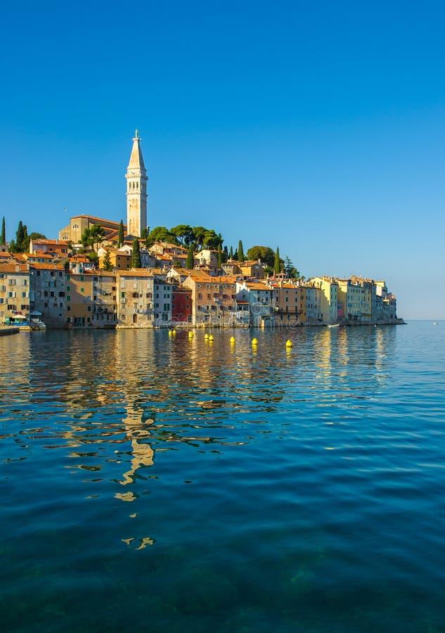 Ciudad vieja de Rovinj, península de Istrian, Croacia fotos de archivo