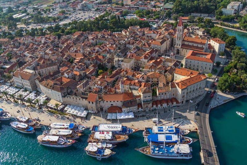 Ciudad vieja de Trogir imagen de archivo libre de regalías