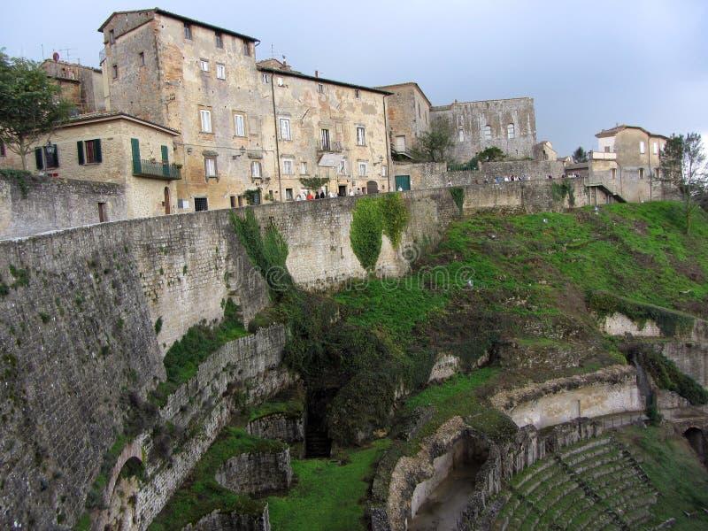 Ciudad Y Amphitheatre De Volterra Imágenes de archivo libres de regalías