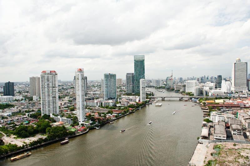 Download Ciudad Y Chao Praya River De Bangkok Imagen de archivo - Imagen de espacio, puente: 42437819