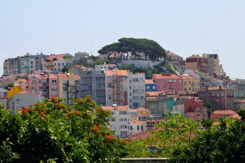 Ciudad y edificios viejos de Lisboa en verano imágenes de archivo libres de regalías