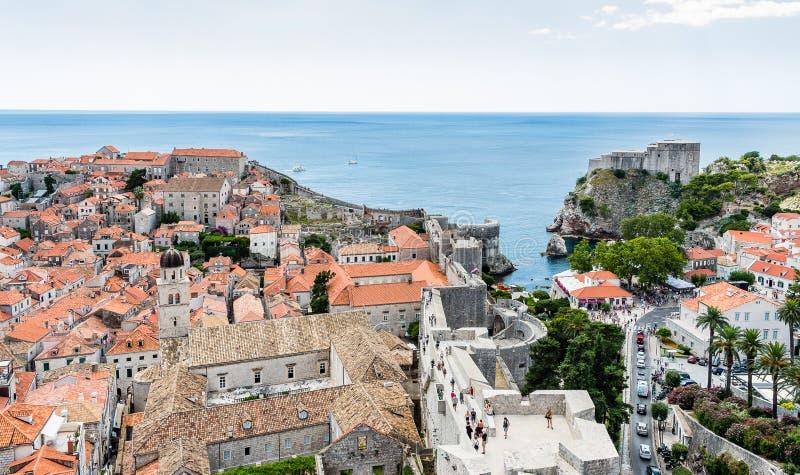 Ciudad y fuerte viejos Lovrijenac en Dubrovnik, Croacia imagen de archivo
