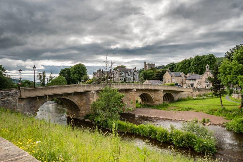 Ciudad y puente de Rothbury foto de archivo