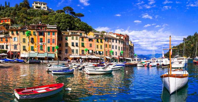 Ciudades coloridas hermosas de Italia - Portofino de lujo en Liguria fotos de archivo libres de regalías