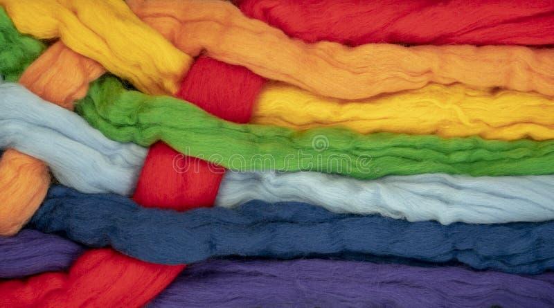 Ciuffi di capelli della forma insieme torta colori differenti i colori dell'arcobaleno, foto concettuale immagini stock libere da diritti