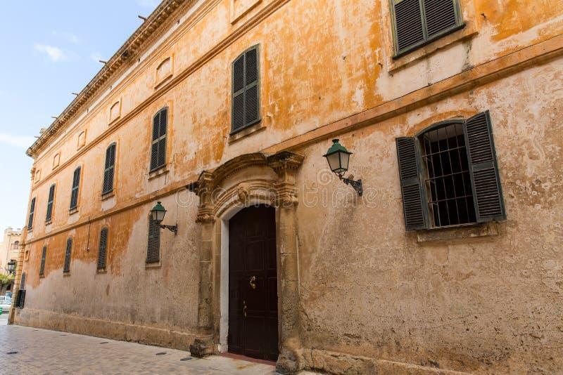 Ciutadella Menorca少校街道在拜雷阿尔斯的Ciudadela 库存照片