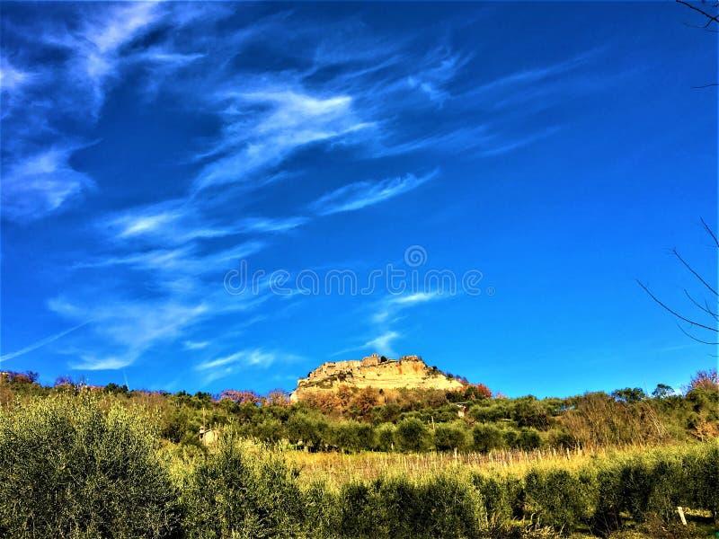 Civita di Bagnoregio, cidade na província de Viterbo, Itália História, tempo, arte e paisagem fotos de stock