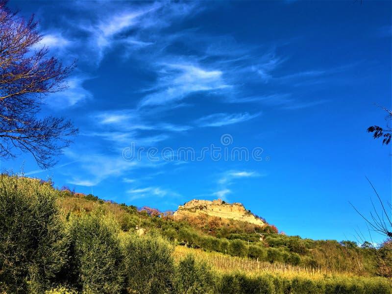 Civita di Bagnoregio, cidade na província de Viterbo, Itália História, tempo, arte e paisagem fotografia de stock