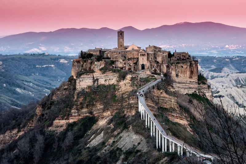 Civita di Bagnoregio - död stad royaltyfri bild