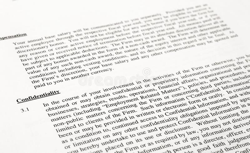 Cláusula de confidencialidad de un contrato fotografía de archivo libre de regalías
