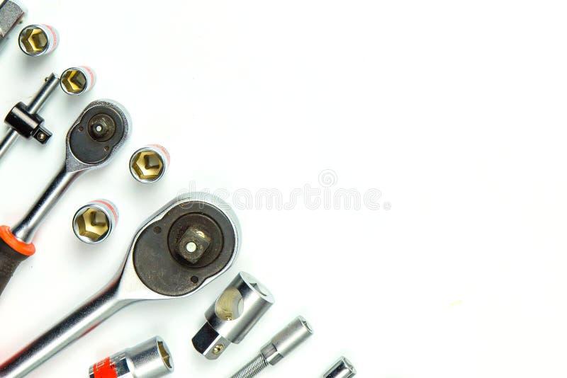 Clés à fourche de prise sur le fond blanc pour les outils mécaniques image libre de droits