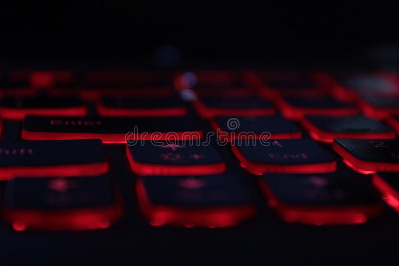 Clés de clavier rougeoyantes rouges d'ordinateur portable de LED photos libres de droits