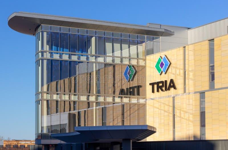 Clínica de TRIA y logotipo ortopédicos de la marca registrada imagen de archivo libre de regalías