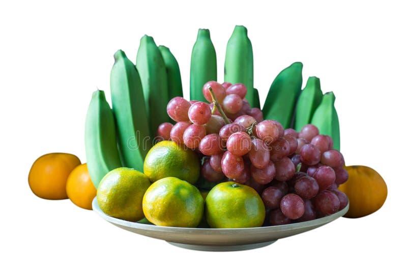Clôturez vers le haut du tir des plusieurs le genre de fruits sur le blanc images stock