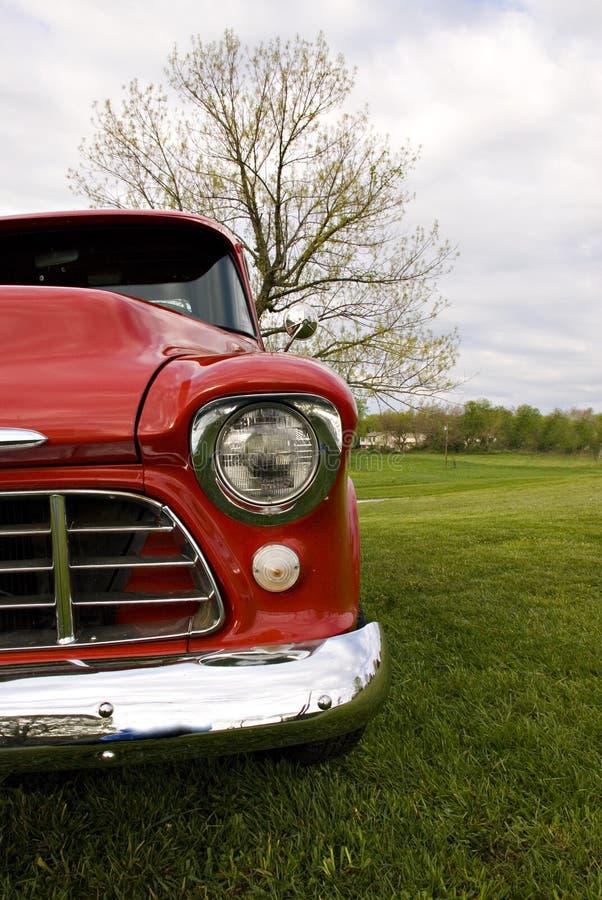 claasic ciężarówka w terenie zdjęcia royalty free