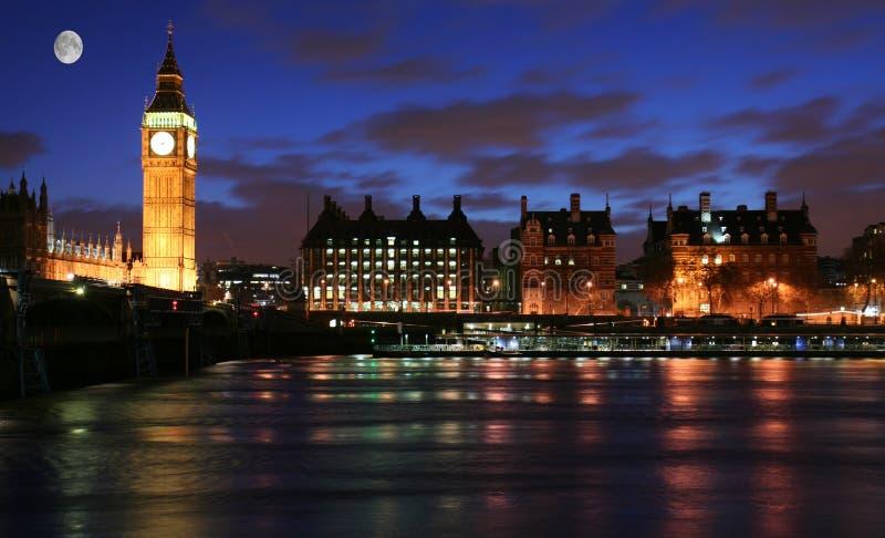 Clair de lune au-dessus de Londres images libres de droits