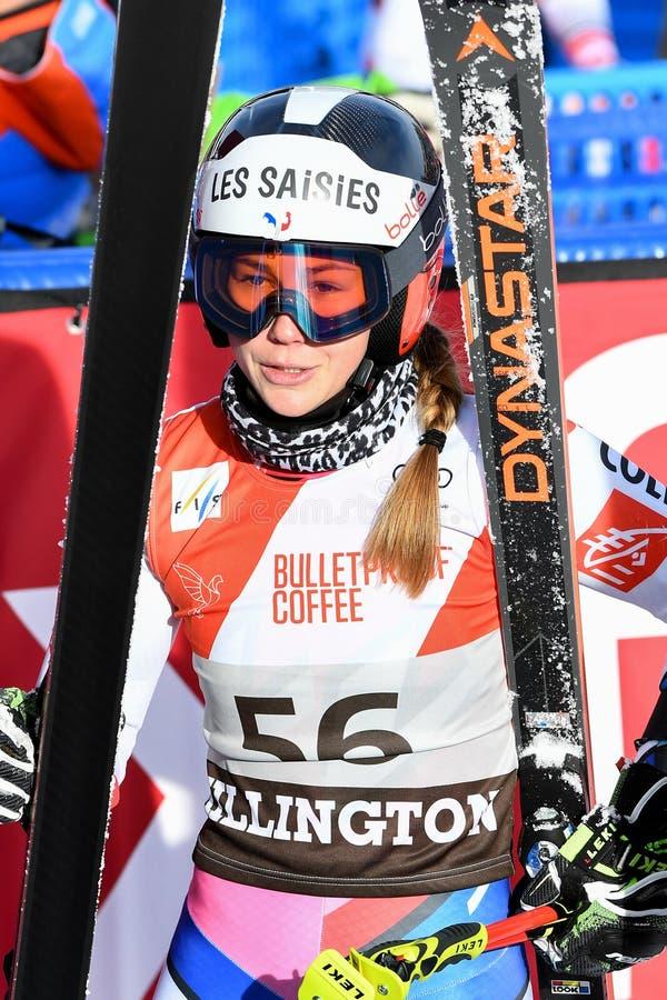 Clara Direz de la France dans le secteur de finition après la deuxième série de slalom géant photo stock