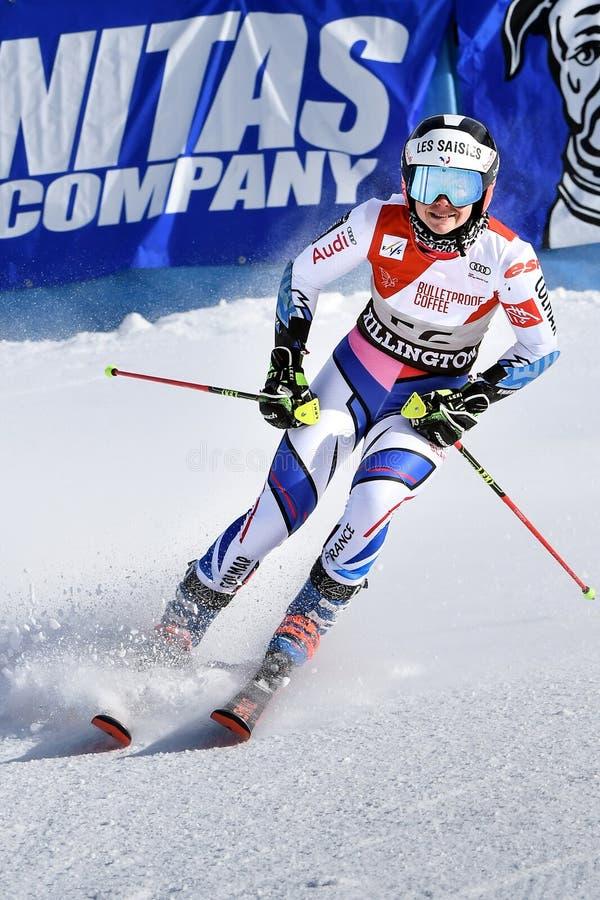 Clara Direz de la France dans le secteur de finition après la deuxième série de slalom géant photographie stock