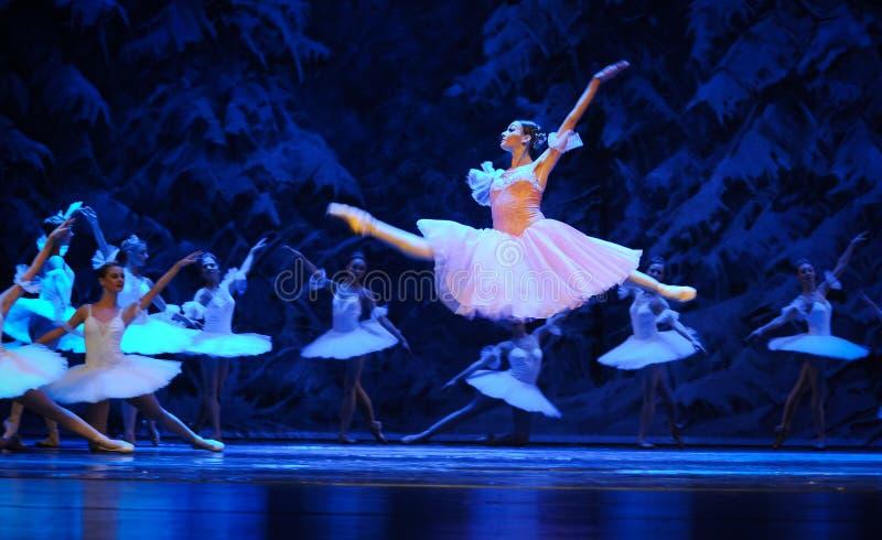 Clara hield van alles hier, de vliegen-eerste handeling van het vierde Land van de gebiedssneeuw - de Balletnotekraker royalty-vrije stock afbeelding