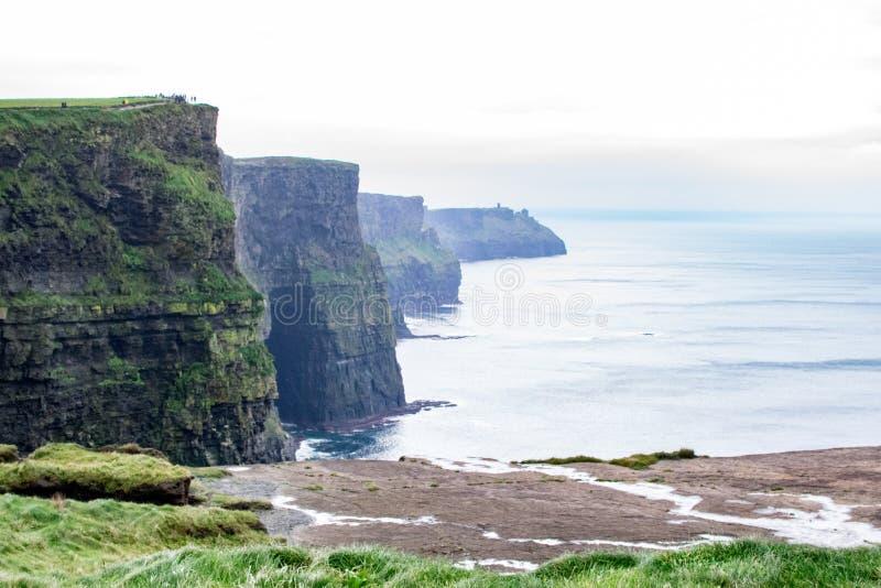 clare απότομων βράχων θάλασσα της Ιρλανδίας moher που εμφανίζεται ομο Ακτή του Ατλαντικού Ωκεανού κοντά σε Ballyvaughan, Co στοκ φωτογραφίες με δικαίωμα ελεύθερης χρήσης