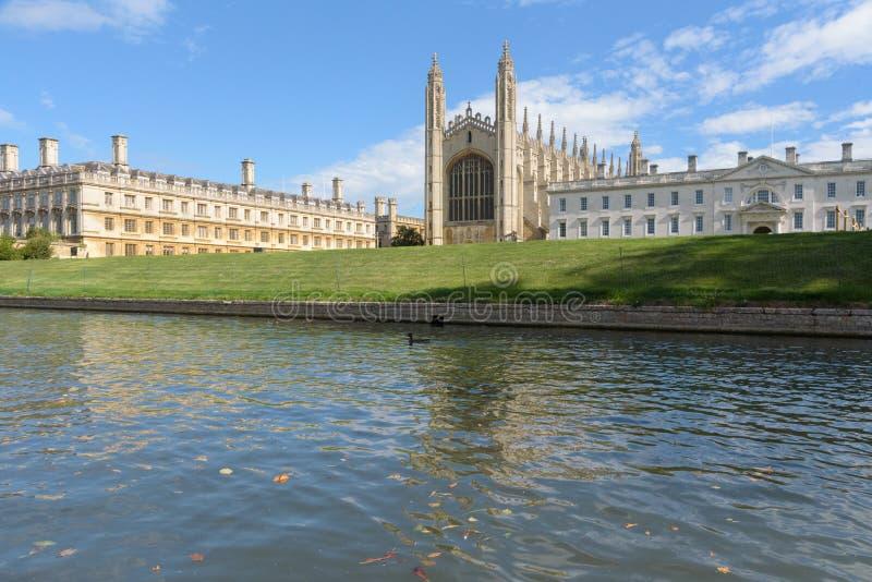 Clare en Kings College van Riviernok wordt bekeken in Cambridge dat royalty-vrije stock fotografie