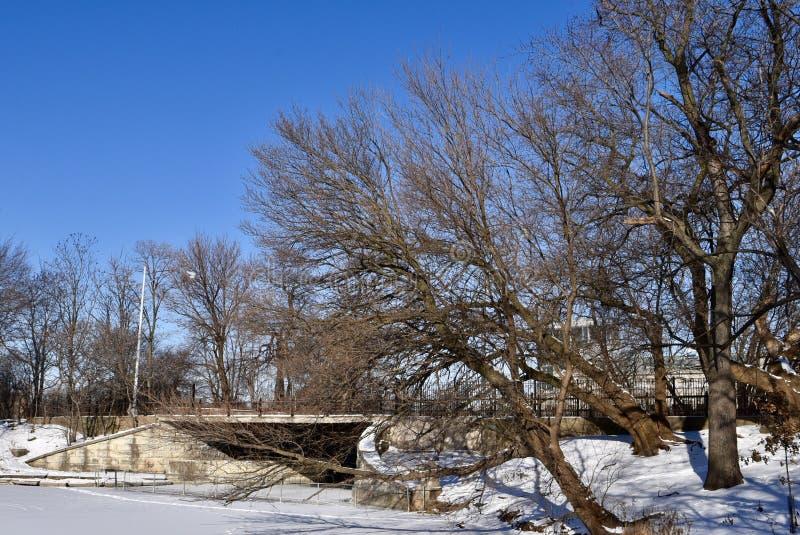 Clarence Darrow Memorial Bridge images stock