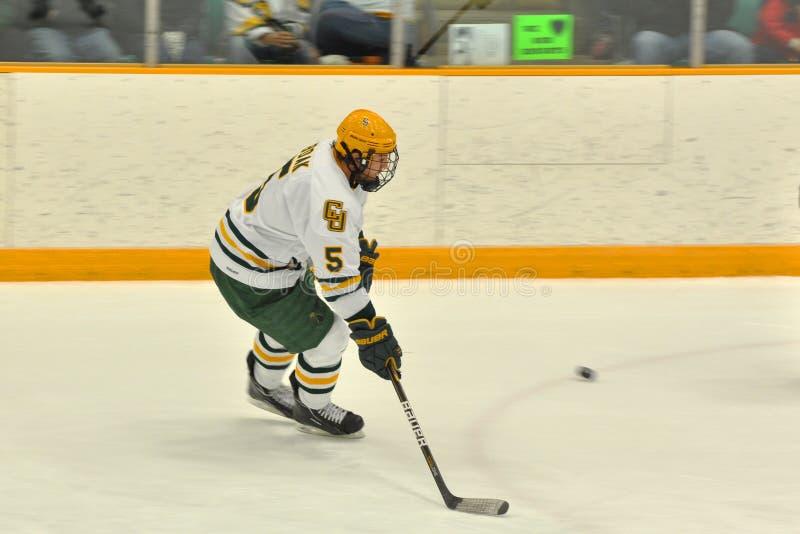 Clarkson Alex Boak dans le jeu d'hockey de NCAA photos stock
