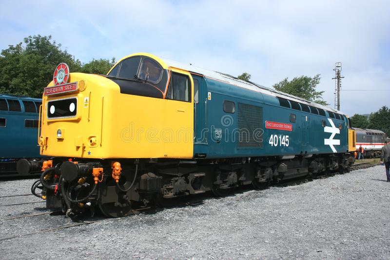 Clase británica 40 no 40145' de la locomotora diesel ferrocarril del este de Lancashire 'en el día abierto del depósito de Carnfo fotografía de archivo
