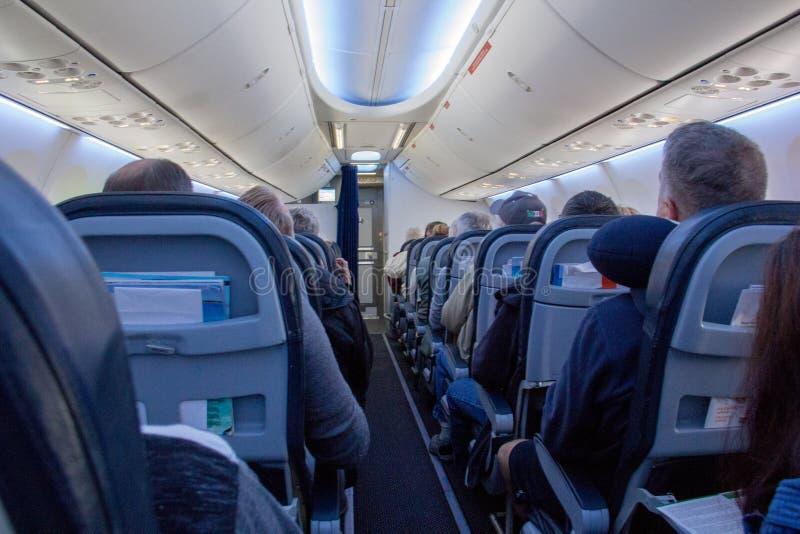 Clase de economía interior comercial del transporte aéreo imagen de archivo libre de regalías