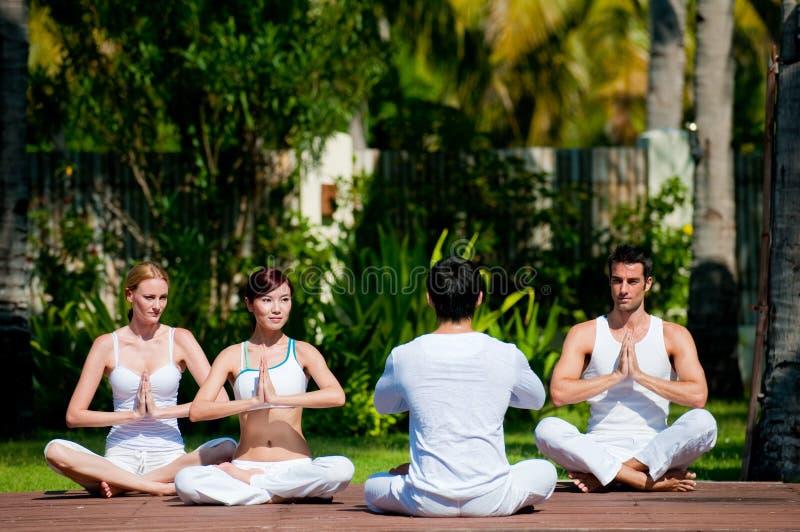 Clase de la yoga fotografía de archivo