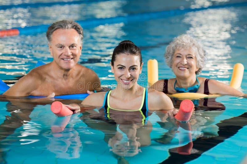 Clase del gimnasio de la aguamarina foto de archivo libre de regalías
