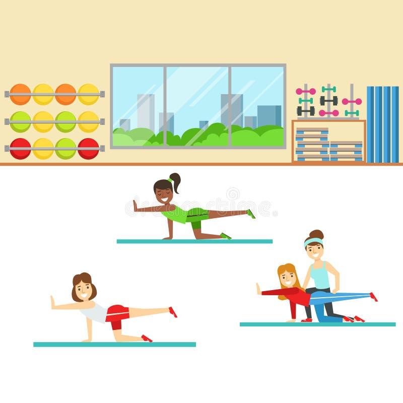Classe da ioga com instrutor Helping And Correcting, membro do clube de aptidão que dá certo e que exercita em na moda ilustração royalty free