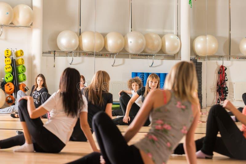 Classe de danse pour des femmes images stock