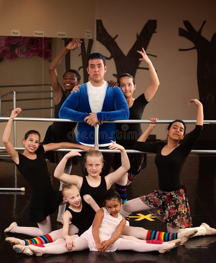Classe de studio de ballet photo libre de droits