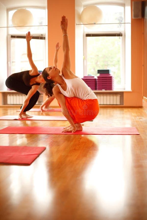 Classe de yoga photographie stock