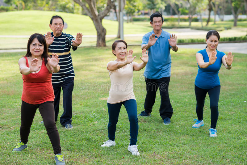 Classe di Tai Chi fotografia stock libera da diritti