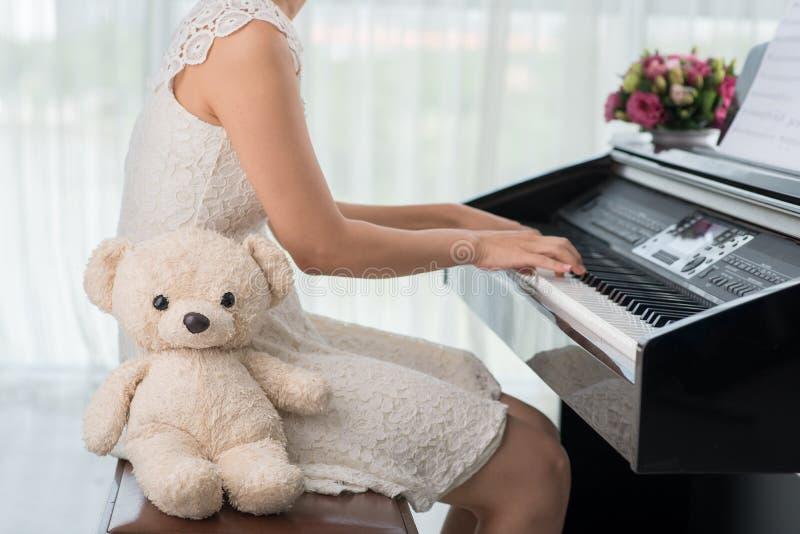 Classe do piano imagem de stock