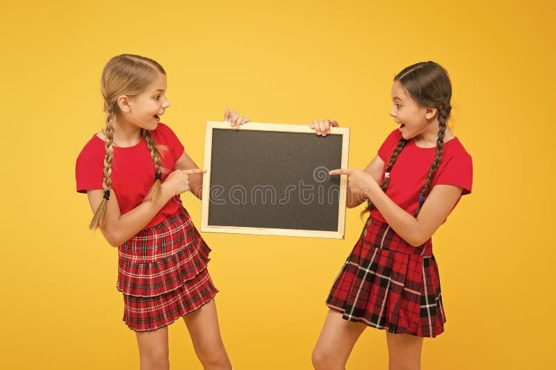 Classes de líderes de torcida Equipe de iniciativa Classmates Ingressar no clube escolar Comunidade dos Alunos Horário escolar Me imagem de stock royalty free