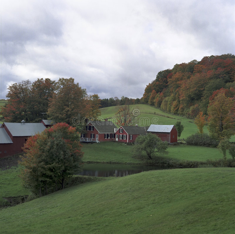 Free Classic Farm In Fall Stock Image - 311291