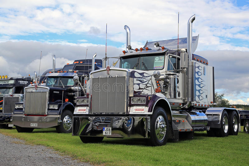 Classic Kenworth W900 Trucks in a Show royalty free stock photos