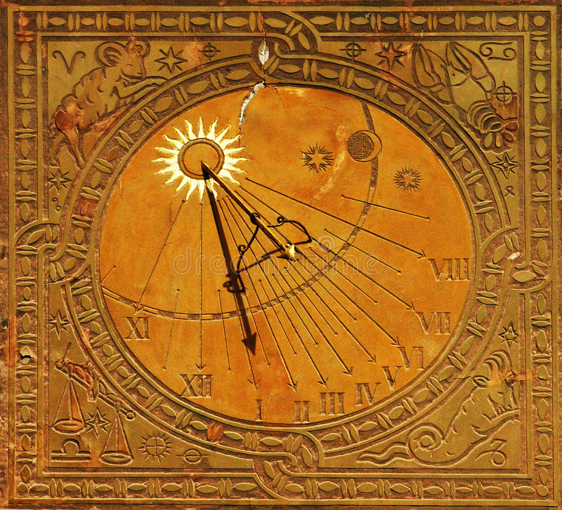 Free Classic Sun Dial In Warsaw Royalty Free Stock Images - 2272939